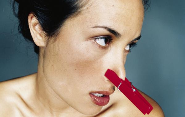 убрать неприятный запах изо рта утром