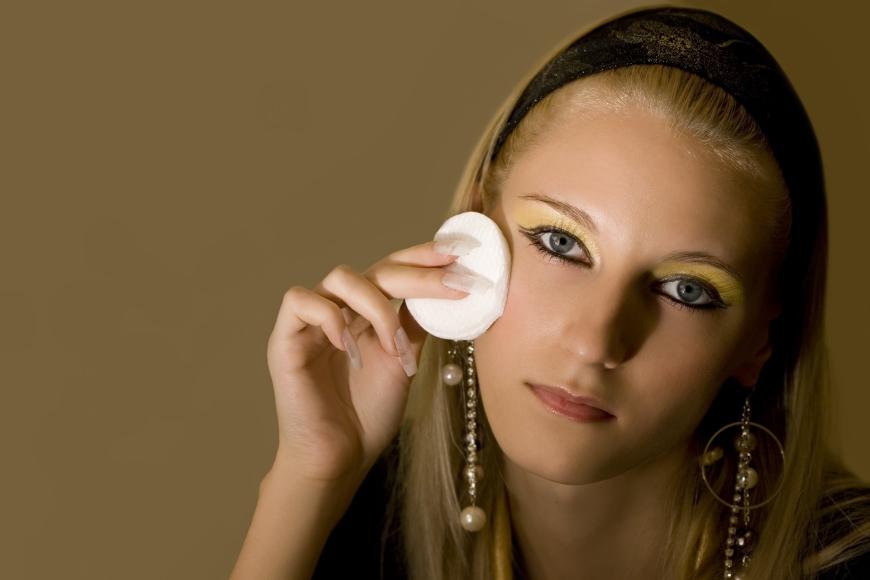 Тональное средство для проблемной кожи лица