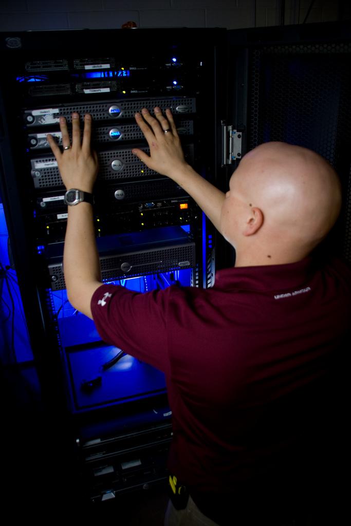 как сделать хостинг игровых серверов ксс в34