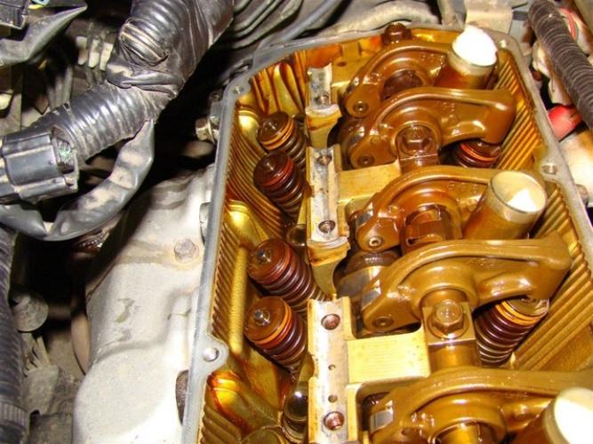 Стучат клапана в двигателе почему