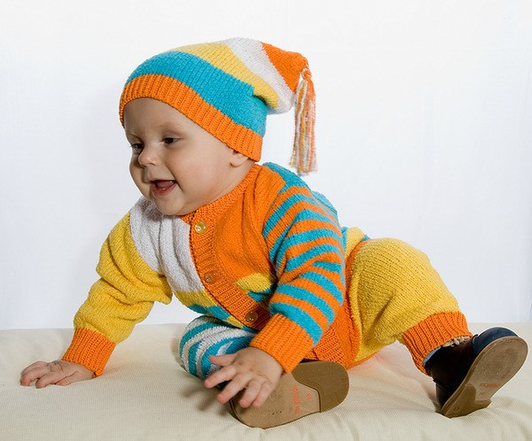 Как связать костюм на ребенка