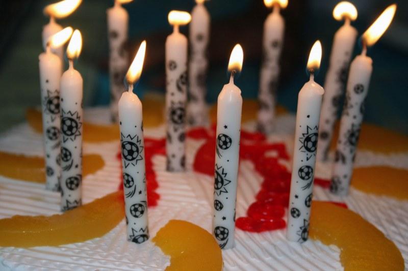Как оригинально поздравить с днем рождения коллегу мужчину