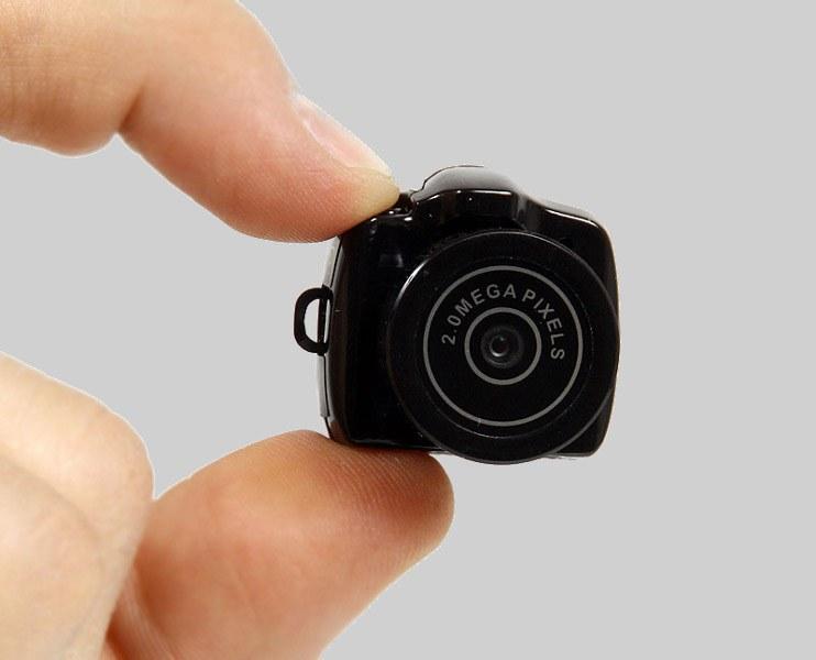КАК перевернуть камеру на ноутбуке ...: www.kakprosto.ru/kak-131743-kak-perevernut-kameru-na-noutbuke