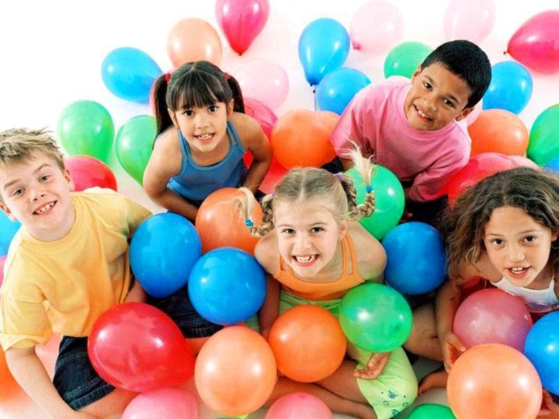 Дети картинка с шарами