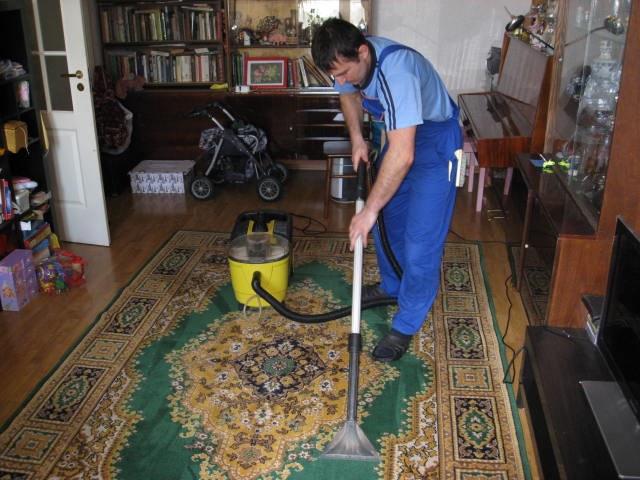 Как народными средствами почистить ковёр в домашних условиях