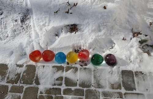 дорожка из ледяных шаров