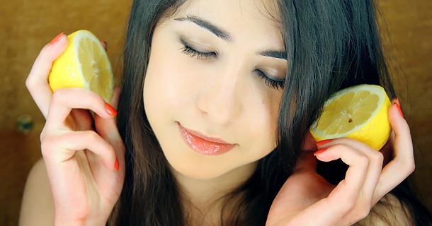 лимонный сок улучшает состояние волос