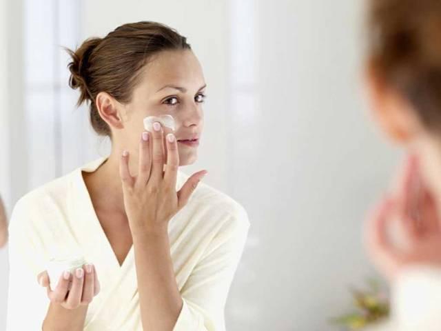 Как наносить крем для лица
