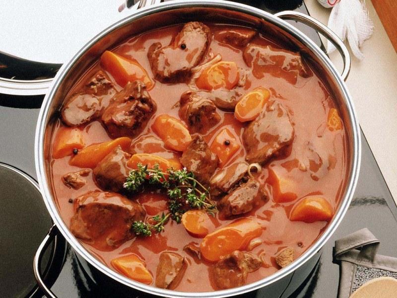 Блюдо из картошки с мясом свинины