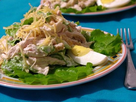 рецепт салата из куриного рулета в