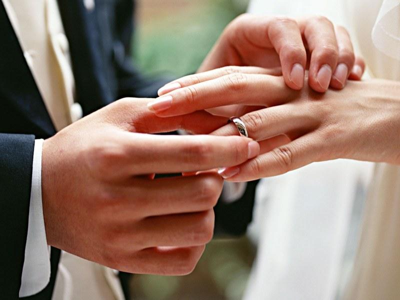к чему снится помолвка знакомой