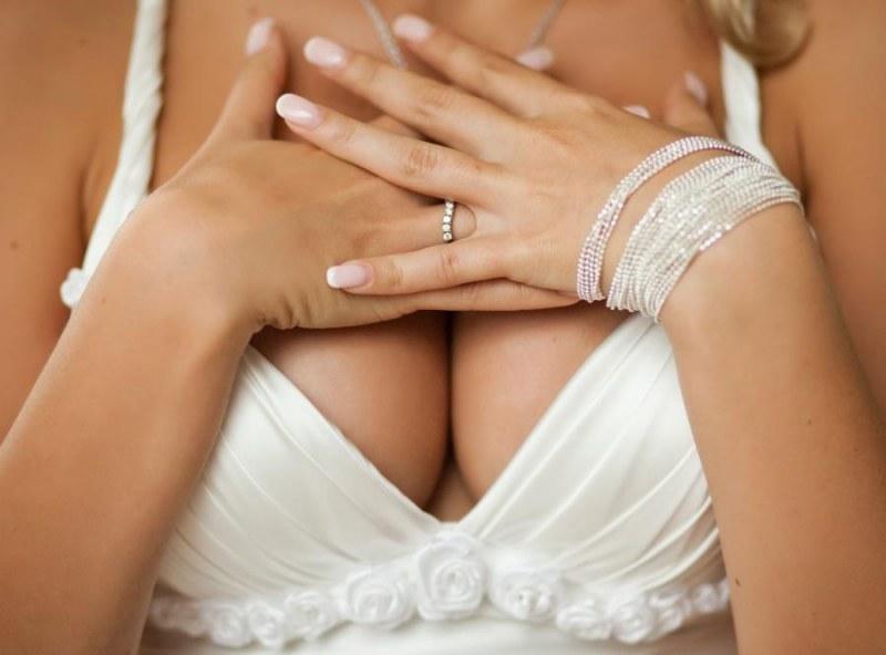 Низкий профиль грудных имплантов