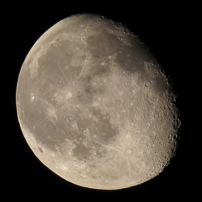 наших как фотографировать луну ночью на зеркалку древних