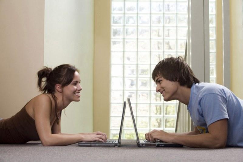 На каких сайтах можно познакомиться с парой
