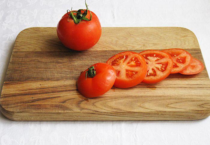 Нарезка помидоров кружками