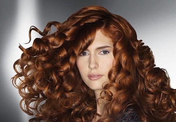 Как сделать красивые кудри на волосах до плеч