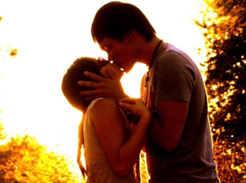 к чему снятся поцелуй со знакомым парнем