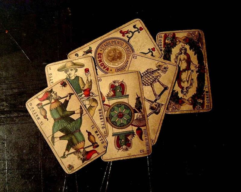 играть картам гадать по