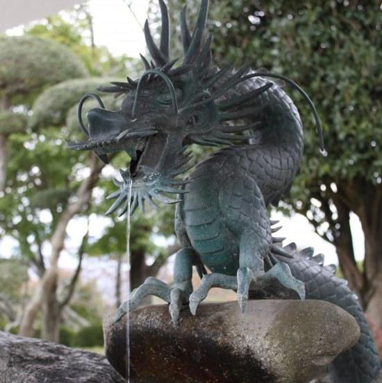 гороскоп в год дракона под знаком водолей