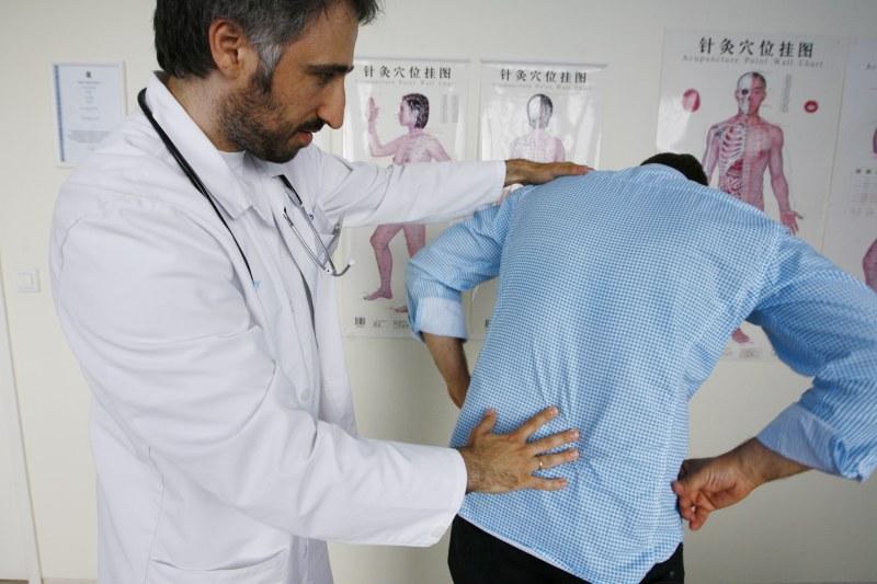 Грудной остеохондроз симптомы и лечение медикаментами