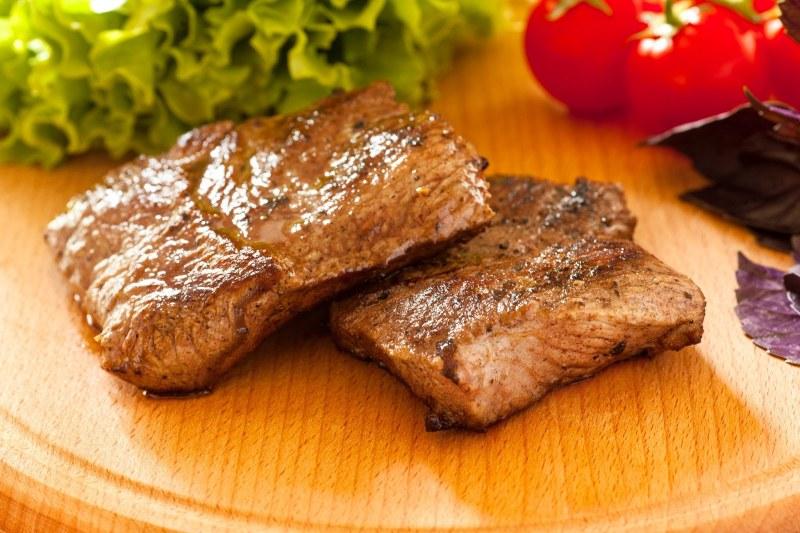 Как пожарить мясо с картошкой на сковороде рецепт