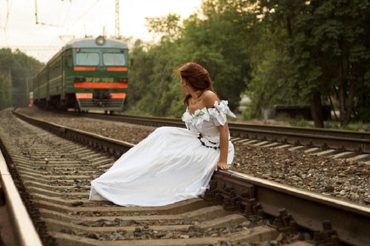 картинки навстречу поезду здания