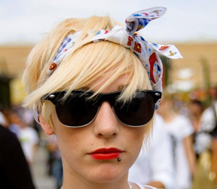 повязка на голову в уличном стиле