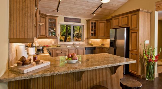 кухня коричневого цвета фото