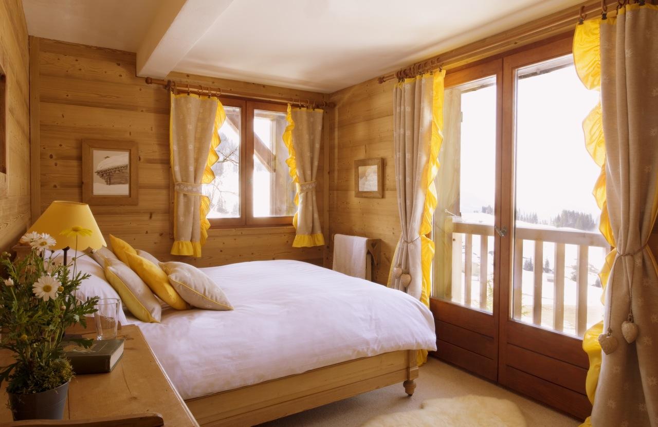 Желтая спальня дизайн фото