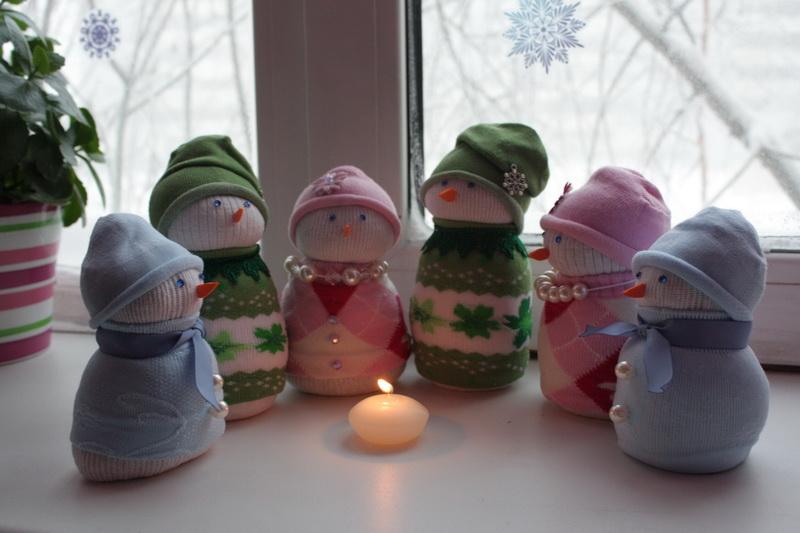 Снеговики своими руками из носков фото