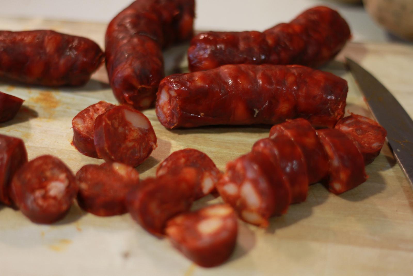испанские колбаски чоризо фото