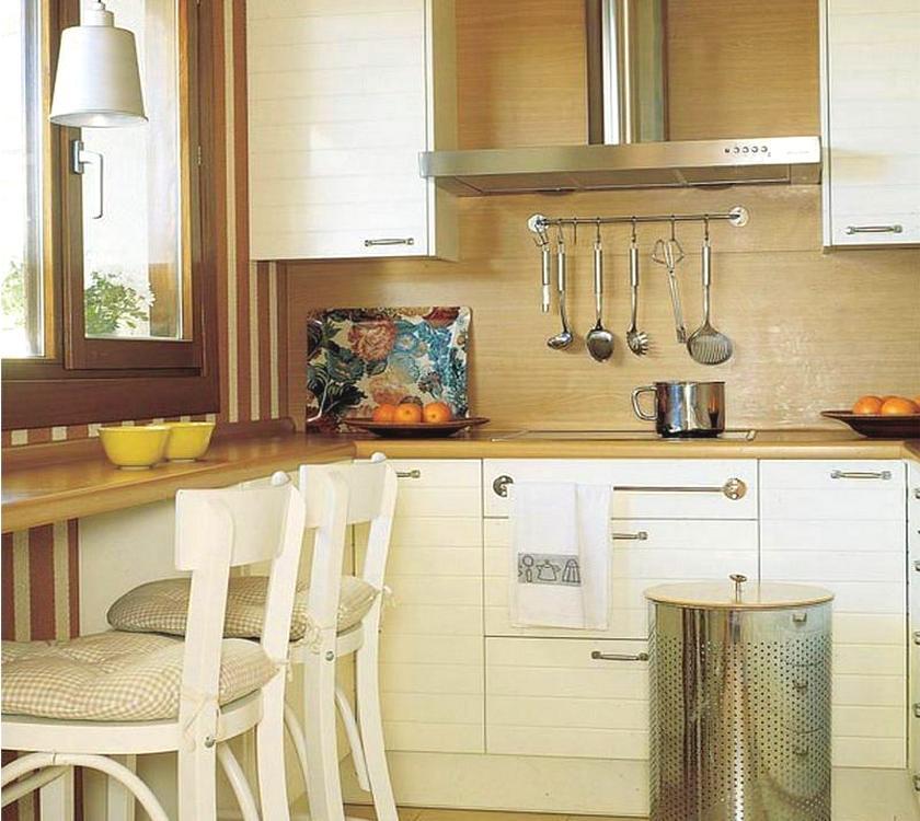 Кухня в коттедже с двумя окнами фото стрип клубах