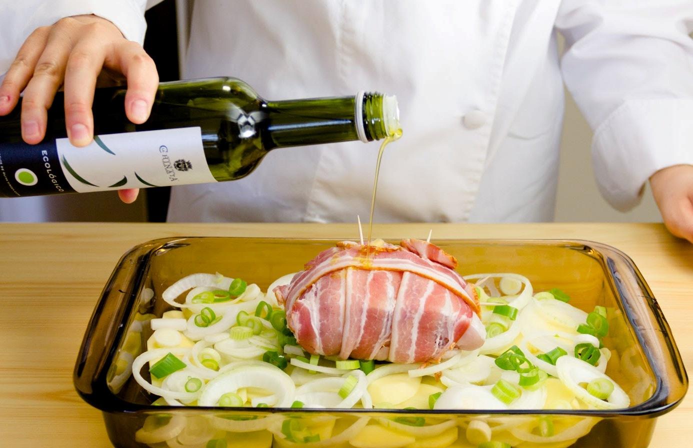 рулет свиной запеченный в духовке