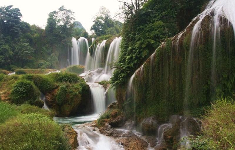 Водопад  Тхак Бак
