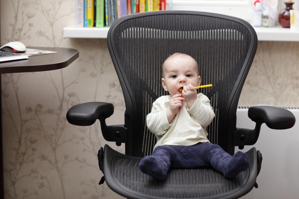 Как развивать ребенка в год и три месяца
