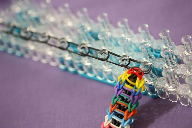как плести браслеты из резиночек чешуя