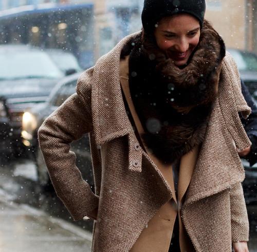 С чем носить пальто оверсайз?