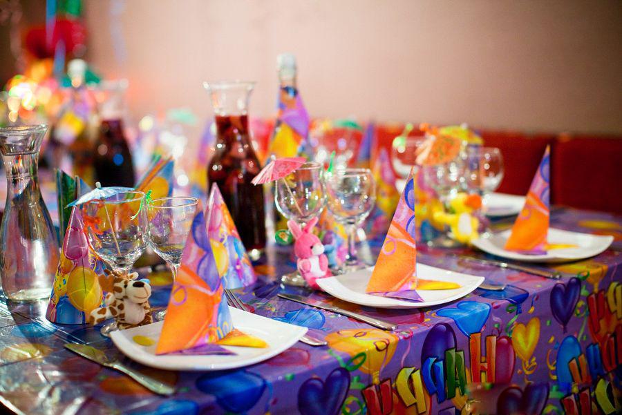 Украшаем стол на день рождения ребенка