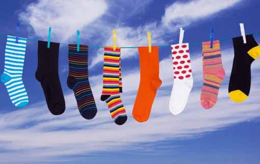 Куда исчезают носки