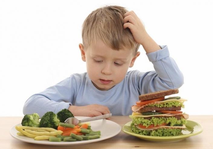 1 год кормить: