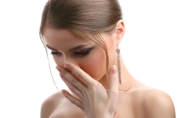 убрать запах изо рта народными средствами