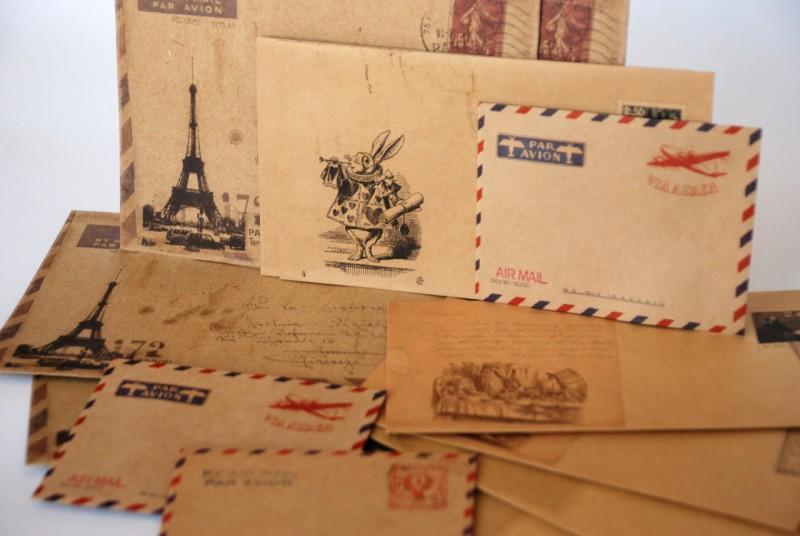 Много открыток и писем, марта
