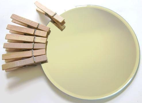 Рама для зеркала своими руками за 5 минут из прищепок
