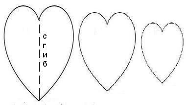 Панно из бумажных сердечек
