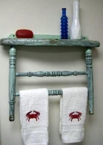 Вешалка для полотенец из ножек старого стула