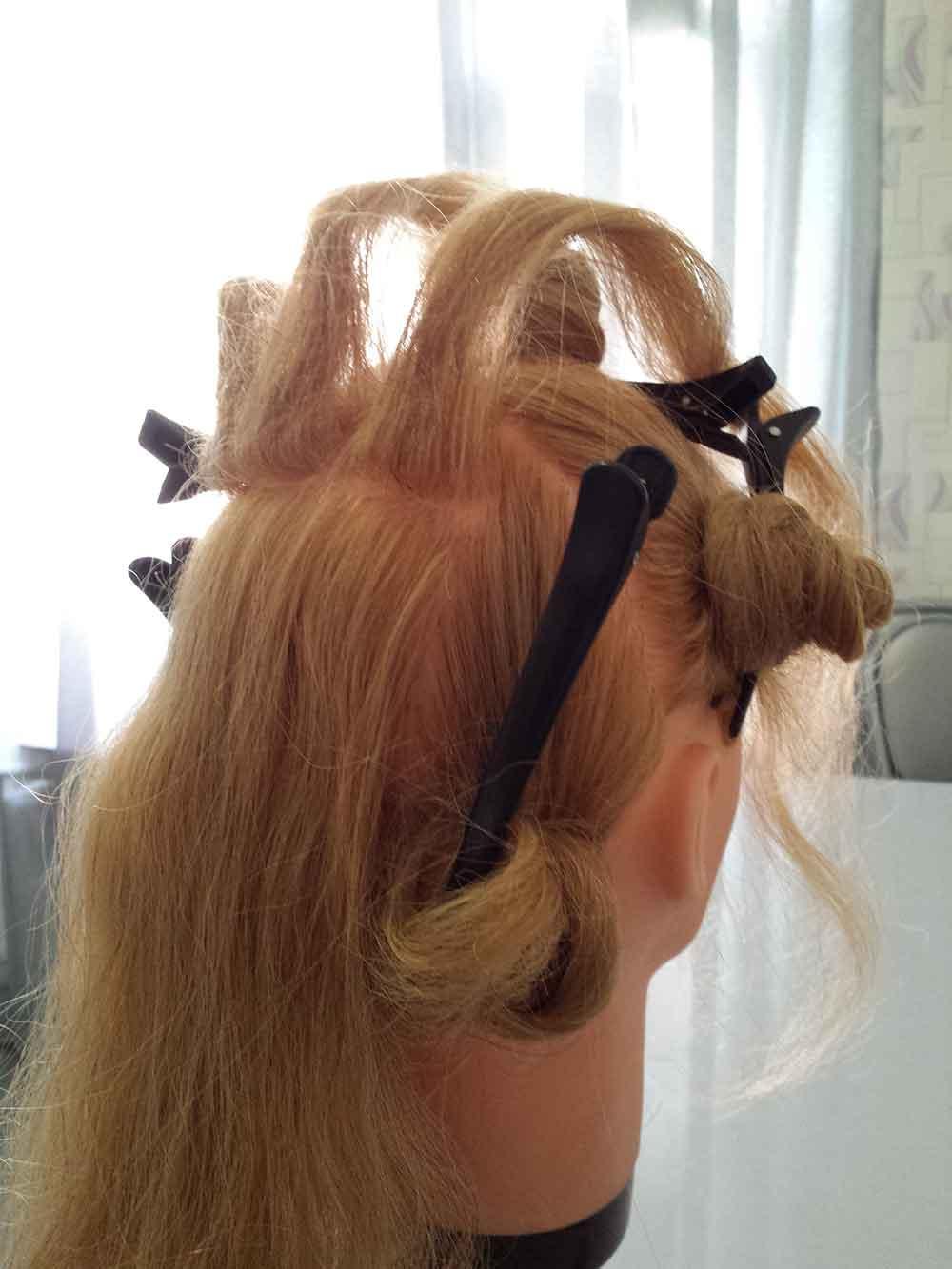 Как сделать волосы красивой волной
