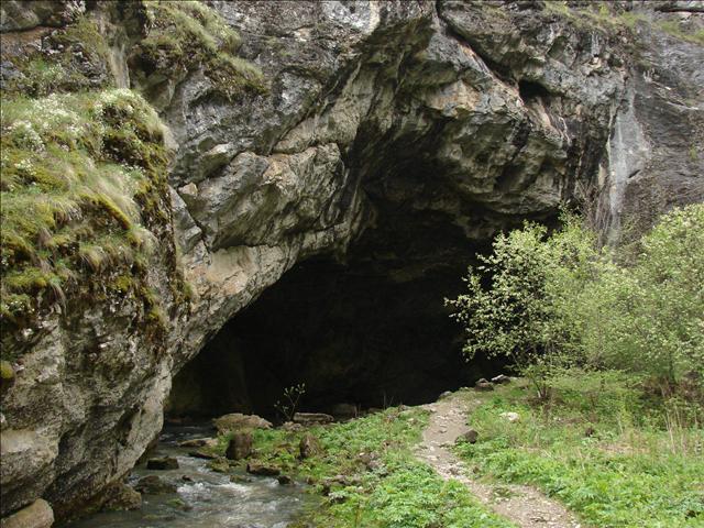 Собачья пещера в Италии