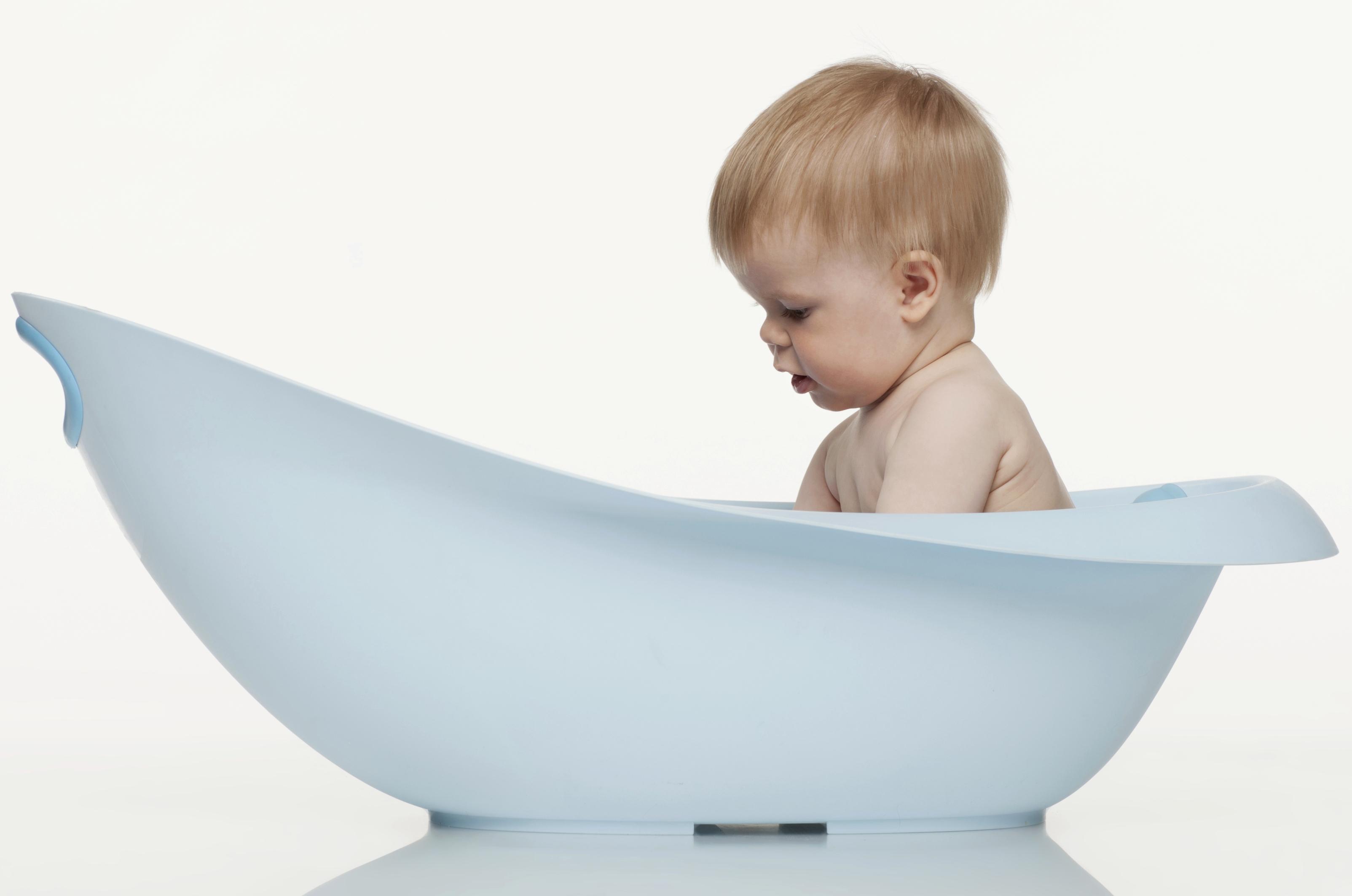 как подмывать новорожденного