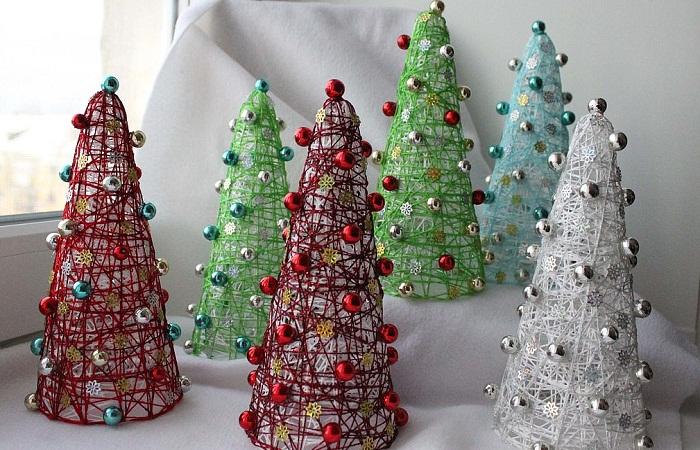 новогодняя елка из ниток своими руками