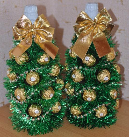 новогодняя елка из конфет и шампанского